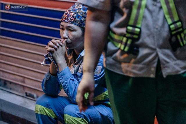 Sự ra đi của nữ công nhân môi trường và nỗi ám ảnh người ở lại: Những phận đời phu rác bám đường phố Hà Nội mưu sinh - Ảnh 23.