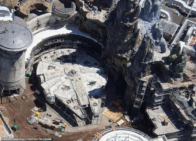 Toàn cảnh công viên Disney tỷ đô phong cách Chiến tranh giữa các vì sao trước ngày mở cửa chính thức - Ảnh 5.