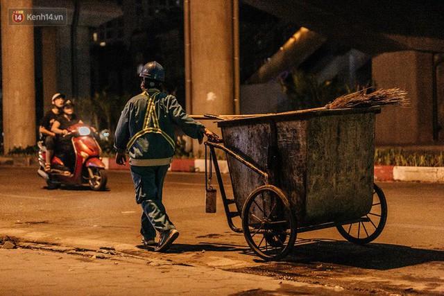 Sự ra đi của nữ công nhân môi trường và nỗi ám ảnh người ở lại: Những phận đời phu rác bám đường phố Hà Nội mưu sinh - Ảnh 8.
