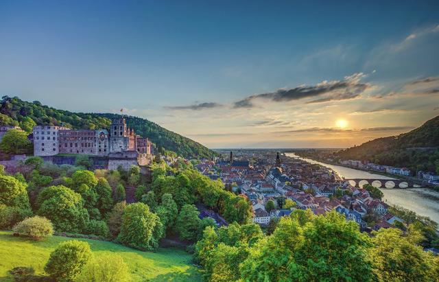 Giá thuê nhà ở Đức quá đắt đỏ, sinh viên tự tay xây ký túc xá trị giá 16 triệu euro - Ảnh 3.