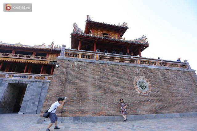 Clip: Diện mạo mới của cổng Ngọ Môn ở Đại Nội Huế sau khi được lột bỏ bụi thời gian - Ảnh 14.