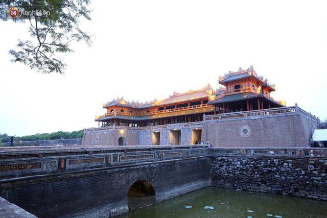 Clip: Diện mạo mới của cổng Ngọ Môn ở Đại Nội Huế sau khi được lột bỏ bụi thời gian - Ảnh 16.