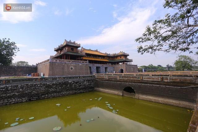 Clip: Diện mạo mới của cổng Ngọ Môn ở Đại Nội Huế sau khi được lột bỏ bụi thời gian - Ảnh 4.