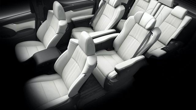 Lexus ra mắt xe chở khách với nội thất xa xỉ - Ảnh 5.