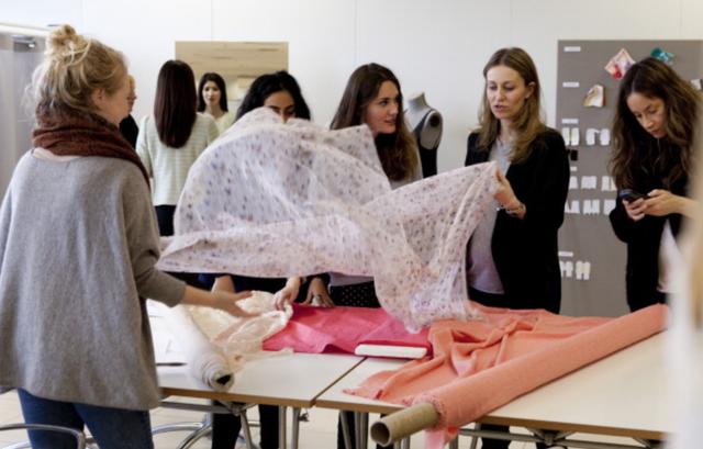 7 chiêu thức Zara đã áp dụng để dân tình phải điên đảo vì quần áo của họ - Ảnh 5.