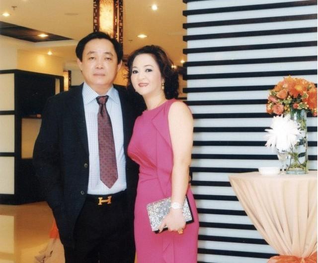 Đại gia Việt tặng vợ xe hơi 40 tỷ, trang sức 70 tỷ, nhưng vẫn khẳng định Nó không là gì so với điều cô ấy mang đến cho tôi - Ảnh 2.