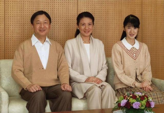 Công chúa Aiko - con gái duy nhất của Thái tử Naruhito: Từ đứa bé xinh xắn từng bị bắt nạt đến thiếu nữ tài giỏi sống tự lập - Ảnh 13.