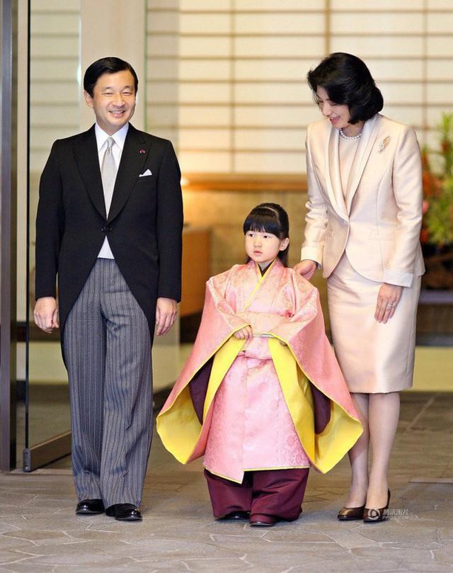 Công chúa Aiko - con gái duy nhất của Thái tử Naruhito: Từ đứa bé xinh xắn từng bị bắt nạt đến thiếu nữ tài giỏi sống tự lập - Ảnh 3.