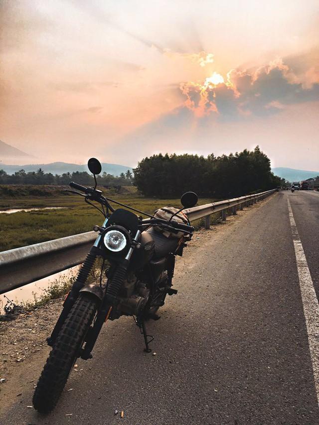 9x cùng câu chuyện độc hành xuyên Việt trên chiếc xe máy: Đi thôi, để thấy Việt Nam mình thực sự xinh đẹp! - Ảnh 3.