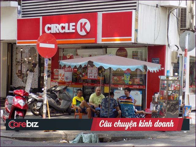 Toàn cảnh chiến trường bán lẻ tiện lợi đẫm máu nhìn từ thương vụ tặng lại chuỗi 87 cửa hàng Shop&Go cho Vingroup giá 1 USD - Ảnh 1.