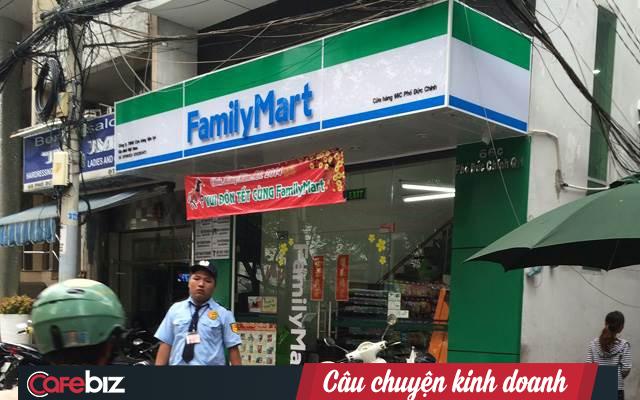 Toàn cảnh chiến trường bán lẻ tiện lợi đẫm máu nhìn từ thương vụ tặng lại chuỗi 87 cửa hàng Shop&Go cho Vingroup giá 1 USD - Ảnh 2.