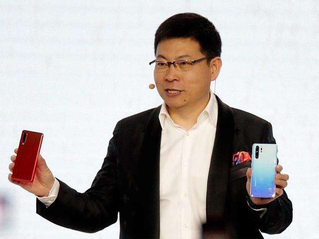 CEO Huawei: Apple không cạnh tranh nổi phần cứng với chúng tôi nên mới phải chuyển sang dịch vụ - Ảnh 1.