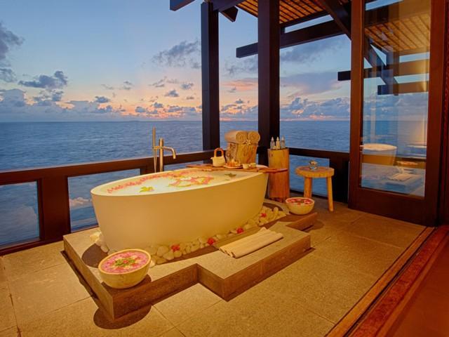Cận cảnh hòn đảo sang trọng nhất thế giới, chỉ dành cho người lớn ở Maldives - Ảnh 10.