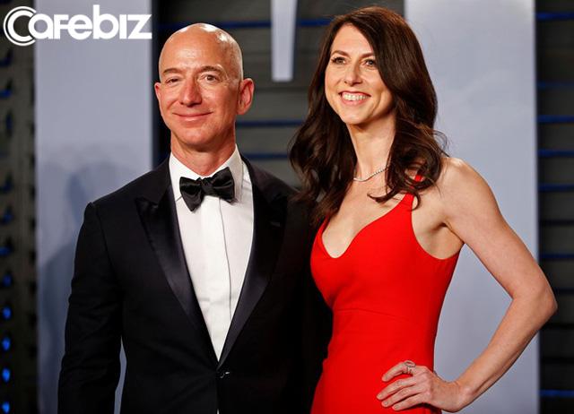 Sau vụ ly hôn đắt đỏ nhất thế giới, vợ chồng tỷ phú Amazon vẫn dành cho nhau những lời có cánh: Hết tình còn nghĩa là đây! - Ảnh 1.