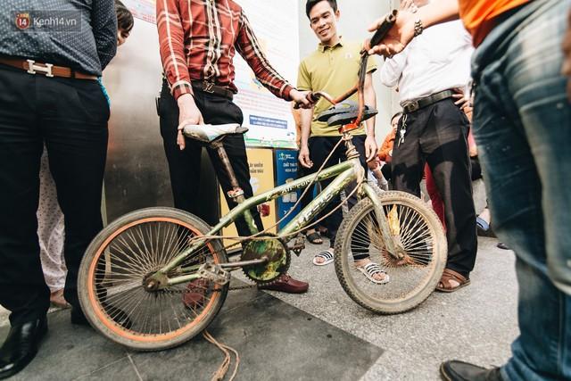 103 triệu đồng cho đôi dép khét lẹt và chiếc xe đạp vượt 103 km của cậu bé Sơn La: Sự tử tế của những người xa lạ - Ảnh 1.