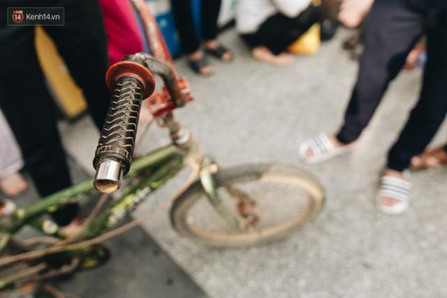 103 triệu đồng cho đôi dép khét lẹt và chiếc xe đạp vượt 103 km của cậu bé Sơn La: Sự tử tế của những người xa lạ - Ảnh 3.