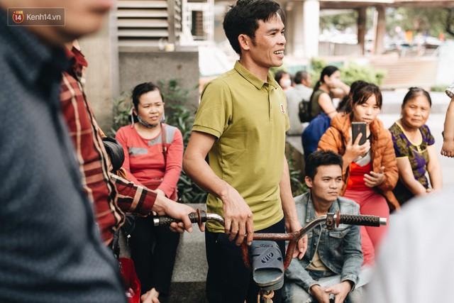 103 triệu đồng cho đôi dép khét lẹt và chiếc xe đạp vượt 103 km của cậu bé Sơn La: Sự tử tế của những người xa lạ - Ảnh 5.