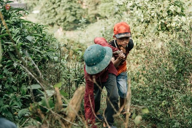 103 triệu đồng cho đôi dép khét lẹt và chiếc xe đạp vượt 103 km của cậu bé Sơn La: Sự tử tế của những người xa lạ - Ảnh 8.
