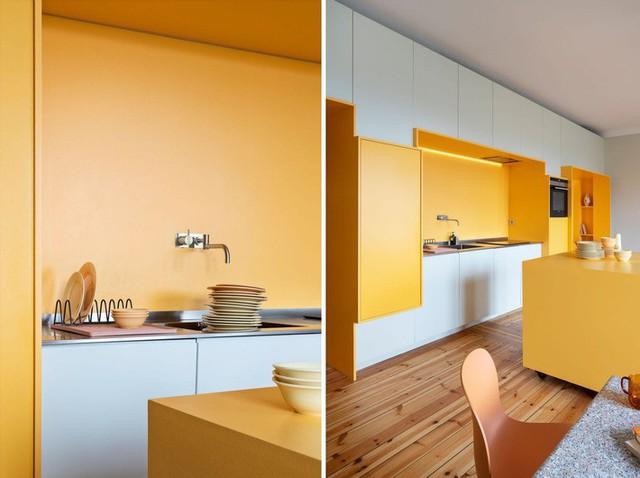 Cải tạo căn hộ gần trăm tuổi thành nơi ở hiện đại nhờ sắc vàng ấm áp - Ảnh 10.