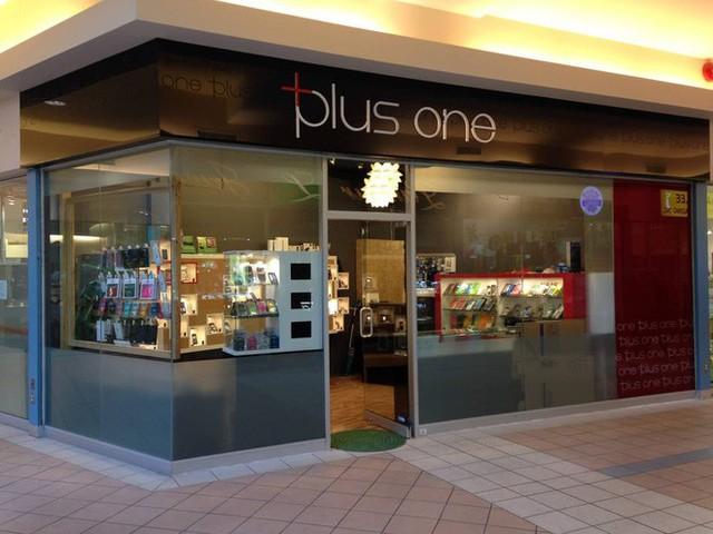 Kế toán dùng 7 triệu USD tiền công ty để mua iPhone, iPad bán kiếm lời - Ảnh 1.