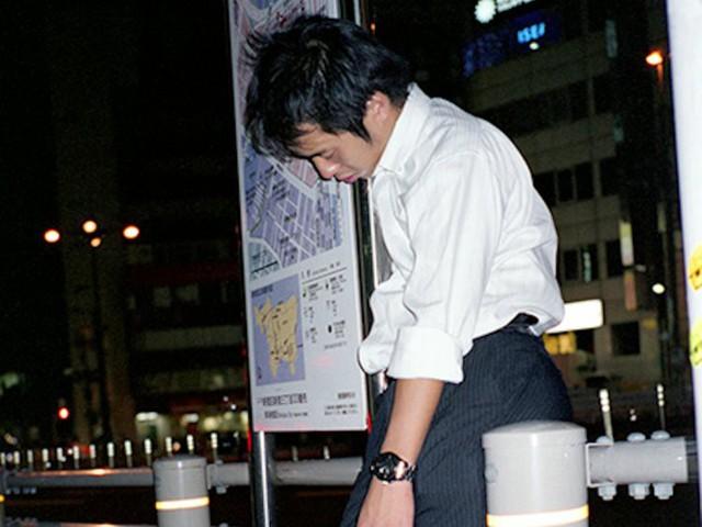 Chùm ảnh cho thấy văn hóa làm việc khắc nghiệt nhất thế giới của Nhật Bản - Ảnh 6.