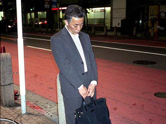 Chùm ảnh cho thấy văn hóa làm việc khắc nghiệt nhất thế giới của Nhật Bản - Ảnh 8.