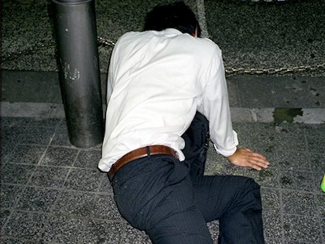 Chùm ảnh cho thấy văn hóa làm việc khắc nghiệt nhất thế giới của Nhật Bản - Ảnh 26.