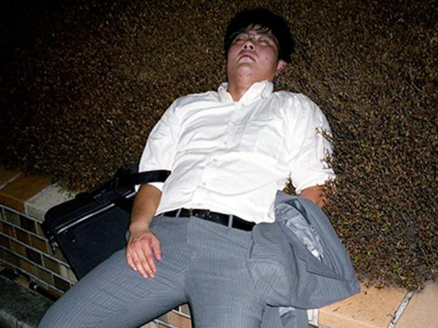 Chùm ảnh cho thấy văn hóa làm việc khắc nghiệt nhất thế giới của Nhật Bản - Ảnh 41.