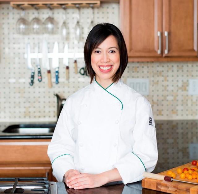 Vua đầu bếp Mỹ gốc Việt Christine Hà mở nhà hàng đầu tiên: 7 năm vinh quang, đối mặt sóng gió và thực hiện ước mơ từ nồi cá trê kho - Ảnh 1.
