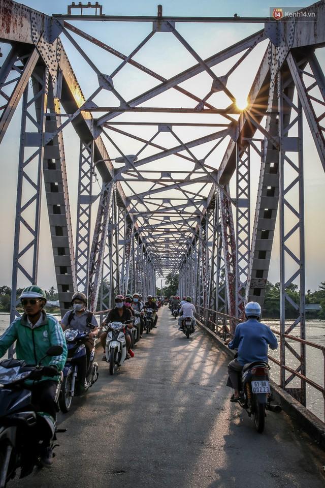 Ngắm cây cầu bằng thép Eiffel hơn 100 tuổi ở Sài Gòn trước ngày khai tử, kinh phí tháo dỡ tốn 14,8 tỷ đồng - Ảnh 13.