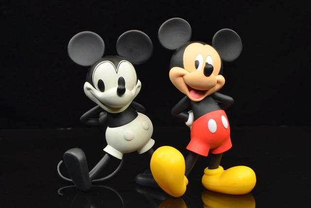 Disney đã xây dựng thương hiệu Chuột Mickey trị giá 3 tỷ USD bằng cách bán các sản phẩm cho người lớn như thế nào? (P1) - Ảnh 3.