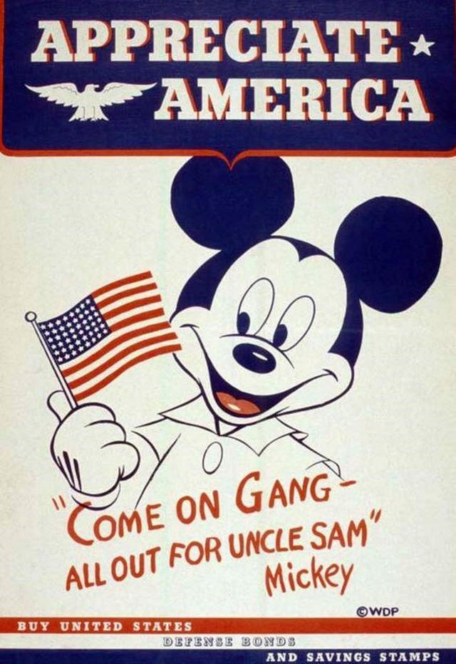 Disney đã xây dựng thương hiệu Chuột Mickey trị giá 3 tỷ USD bằng cách bán các sản phẩm cho người lớn như thế nào? (P2) - Ảnh 1.