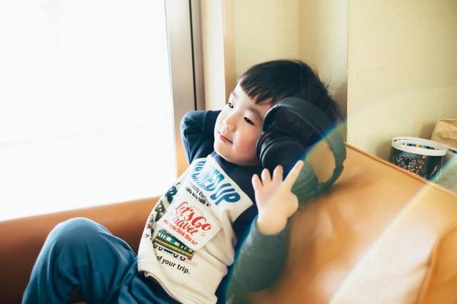 Bộ ảnh em bé Nhật Bản đáng yêu làm tan chảy người xem, thế nhưng lại ẩn chứa câu chuyện cảm động đầy nước mắt đằng sau - Ảnh 14.