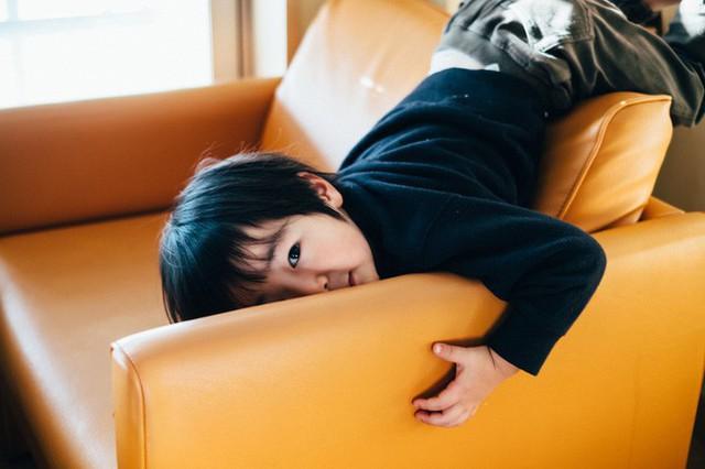 Bộ ảnh em bé Nhật Bản đáng yêu làm tan chảy người xem, thế nhưng lại ẩn chứa câu chuyện cảm động đầy nước mắt đằng sau - Ảnh 10.