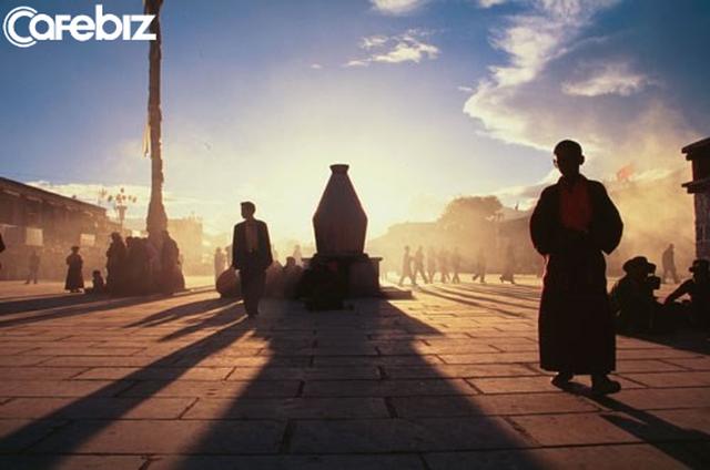 Hành trình về Phương Đông: Vị đạo sĩ tráng kiện có thể chữa bách bệnh chỉ với uống nước suối và ăn cơm nhạt (P3) - Ảnh 1.