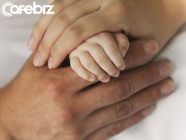 Càng lớn, chúng ta càng tiết kiệm nói lời yêu với bố mẹ: Ngày 8/3 cũng chỉ vỏn vẹn một dòng Chúc mẹ ngày quốc tế phụ nữ vui vẻ... - Ảnh 3.