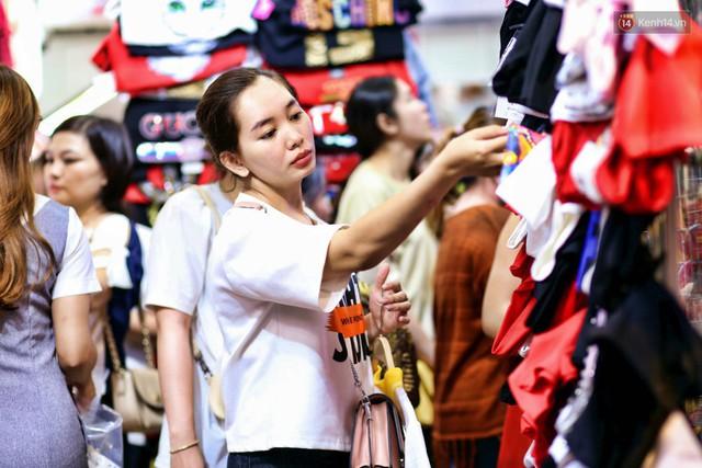 Lương bao nhiêu mới đủ sống ở Sài Gòn: Người 5 triệu là sung túc, kẻ 20 triệu vẫn thiếu đủ điều - Ảnh 5.