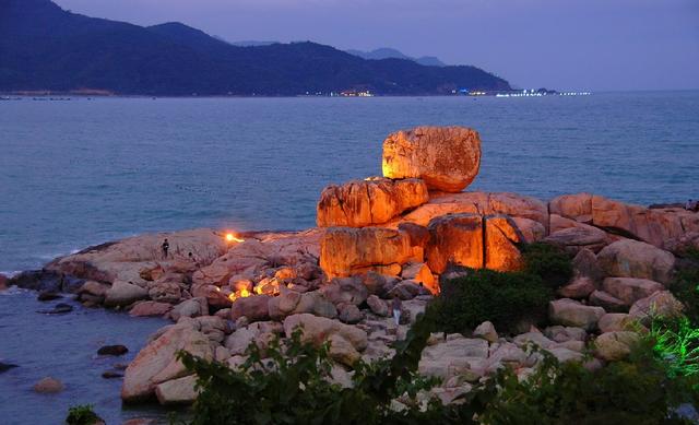 Hàng loạt bãi biển nổi tiếng tại Việt Nam kêu cứu vì dòng nước thải bẩn xả thẳng từ các hệ thống cống thoát nước - Ảnh 5.