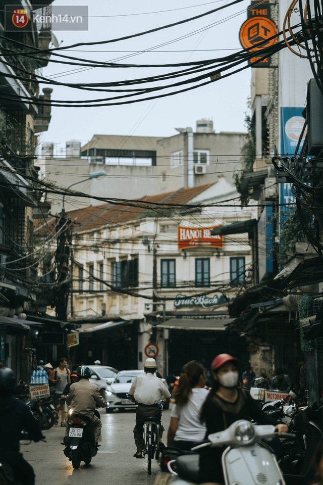 Chiều chiều đảo vài vòng giữa phố xá Hà Nội mà ngỡ như cuối Đông - Tết sắp về - Ảnh 18.