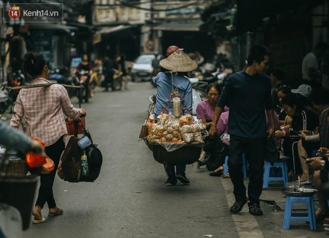 Chiều chiều đảo vài vòng giữa phố xá Hà Nội mà ngỡ như cuối Đông - Tết sắp về - Ảnh 20.