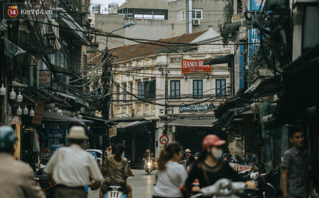 Chiều chiều đảo vài vòng giữa phố xá Hà Nội mà ngỡ như cuối Đông - Tết sắp về - Ảnh 26.