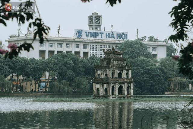 Chiều chiều đảo vài vòng giữa phố xá Hà Nội mà ngỡ như cuối Đông - Tết sắp về - Ảnh 4.