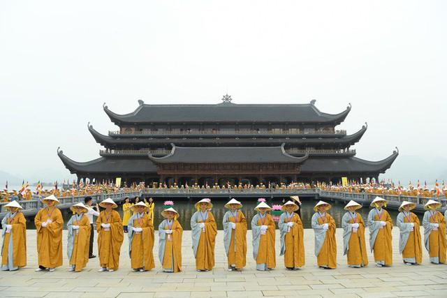 Hội trường sức chứa 3.000 người chùa Tam Chúc sẵn sàng cho giờ khai mạc Vesak - Ảnh 1.