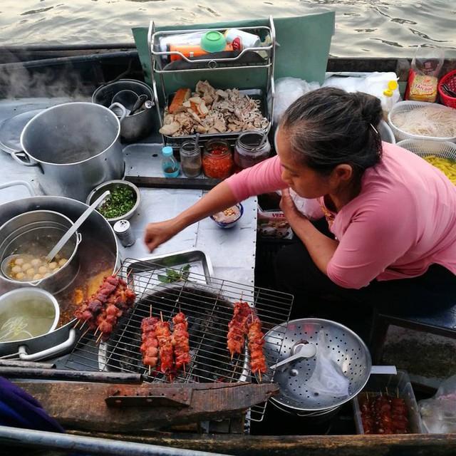 Liên tục được đầu bếp nổi tiếng Mỹ, Hàn Quốc ca ngợi, thì ra đây là những bí mật của hủ tiếu chợ nổi Cái Răng - Ảnh 16.