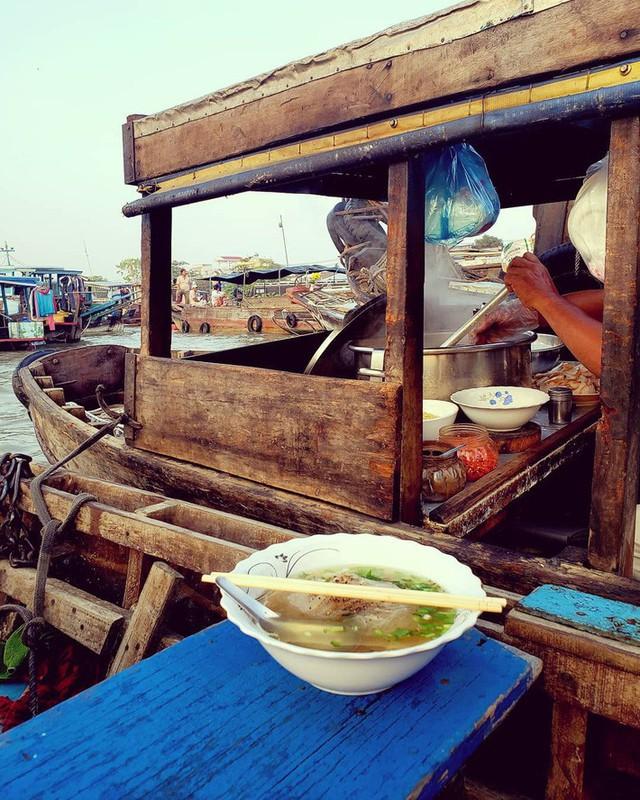Liên tục được đầu bếp nổi tiếng Mỹ, Hàn Quốc ca ngợi, thì ra đây là những bí mật của hủ tiếu chợ nổi Cái Răng - Ảnh 18.