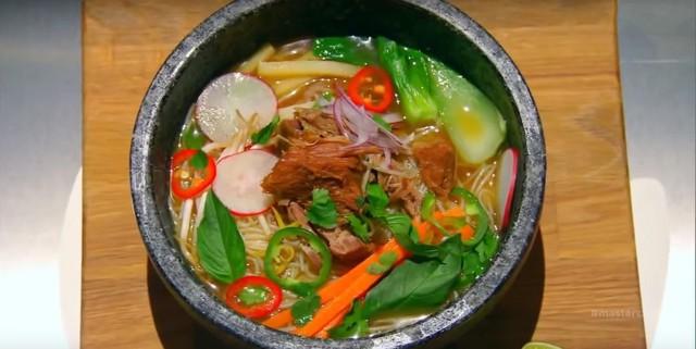 Liên tục được đầu bếp nổi tiếng Mỹ, Hàn Quốc ca ngợi, thì ra đây là những bí mật của hủ tiếu chợ nổi Cái Răng - Ảnh 6.