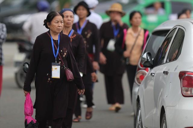 Hàng vạn người dân nườm nượp về Tam Chúc dự Đại lễ Phật đản 2019 - Ảnh 9.