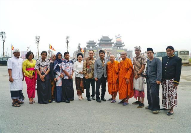 Hàng vạn người dân nườm nượp về Tam Chúc dự Đại lễ Phật đản 2019 - Ảnh 10.