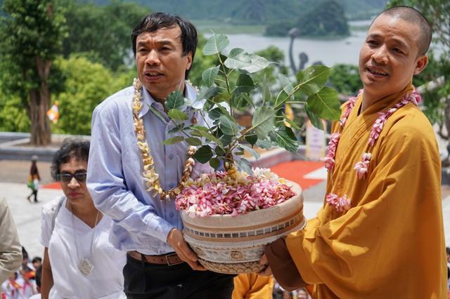 Chùa Tam Chúc, nơi đang diễn ra Đại lễ Phật đản 2019 lớn thế nào? - Ảnh 6.