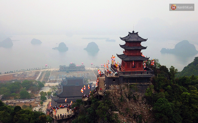 Chùa Tam Chúc, nơi đang diễn ra Đại lễ Phật đản 2019 lớn thế nào? - Ảnh 1.